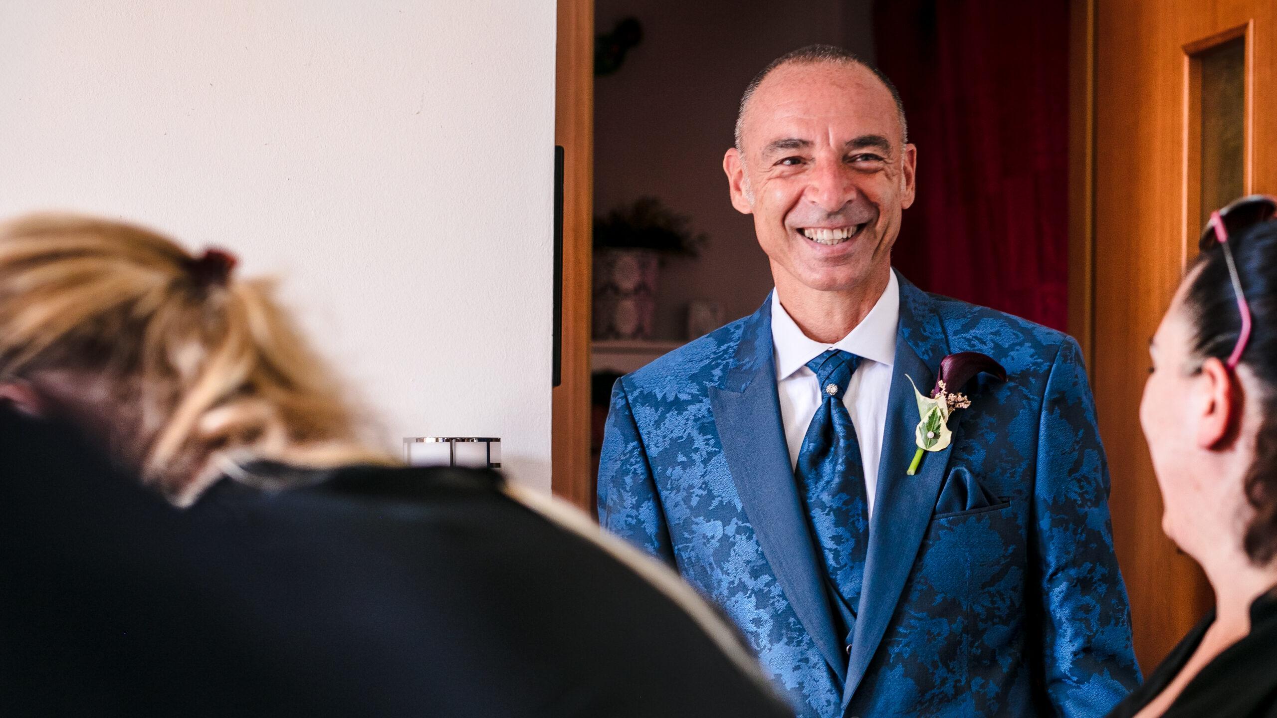 il papà della sposa si emoziona