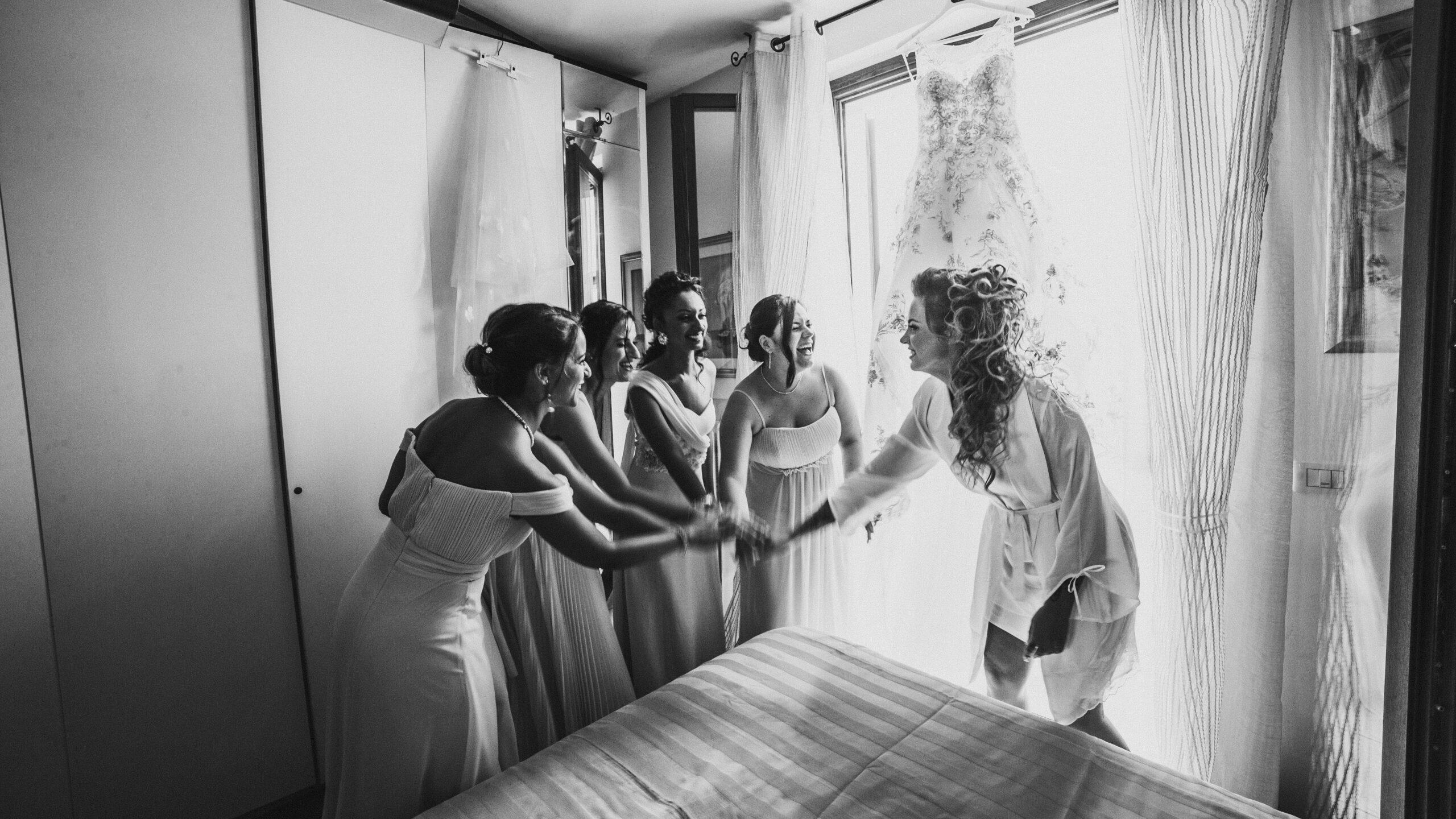la sposa e le damigella