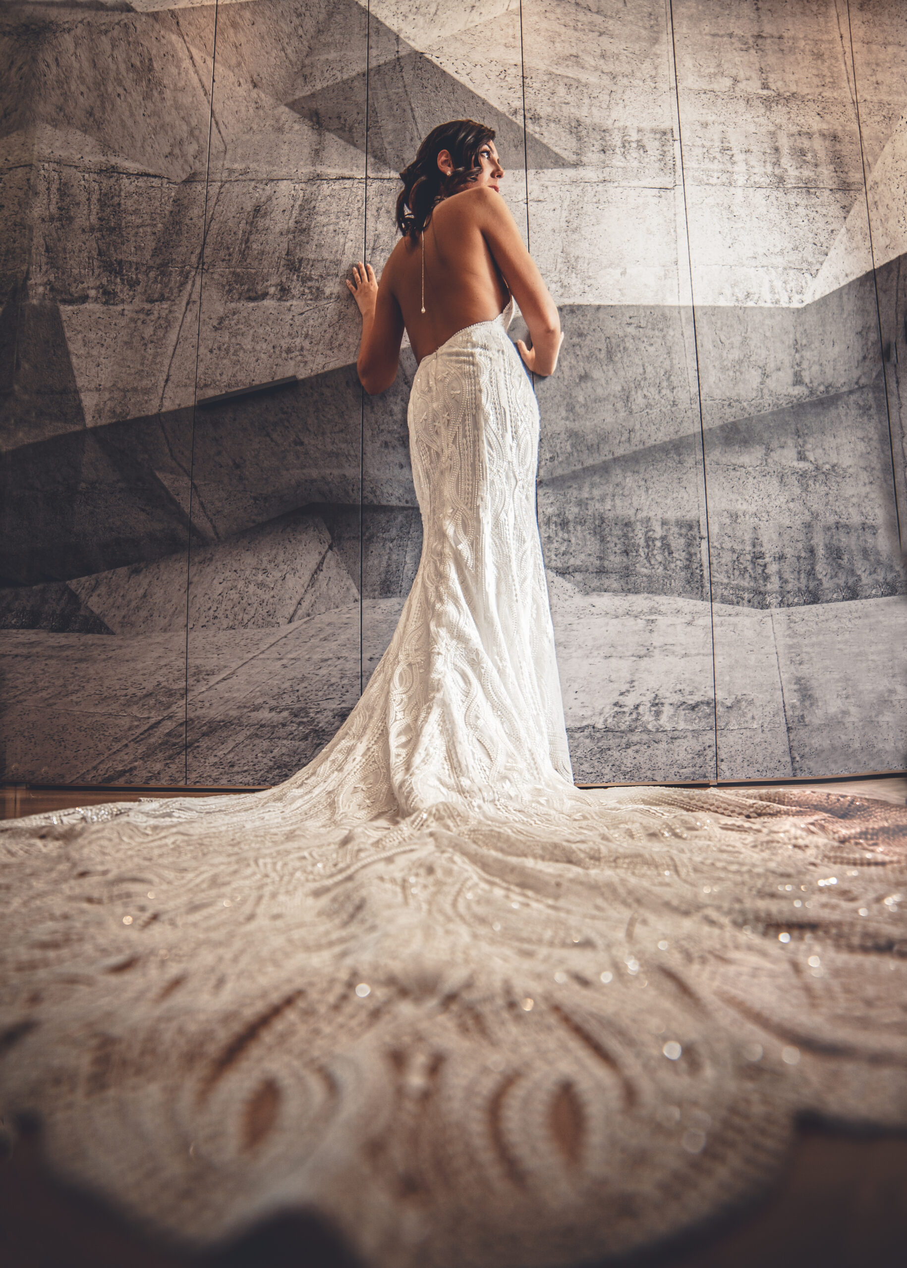 la sposa sul muro