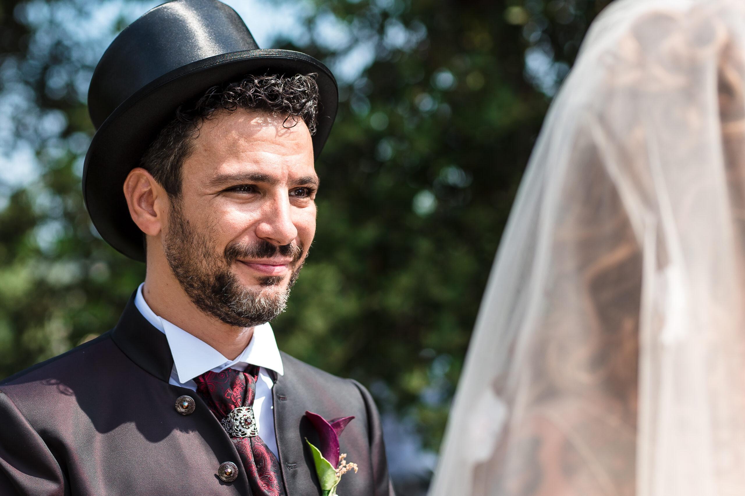 lo sposo durante le promesse