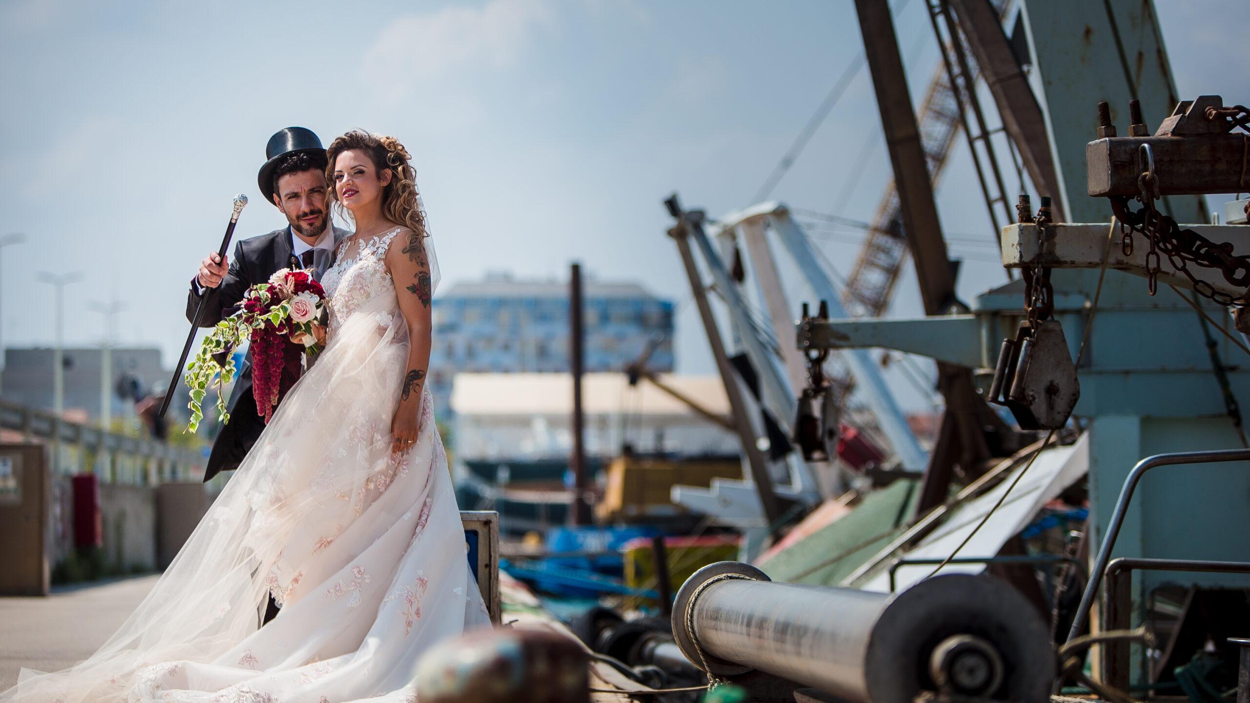 gli sposi sul molo